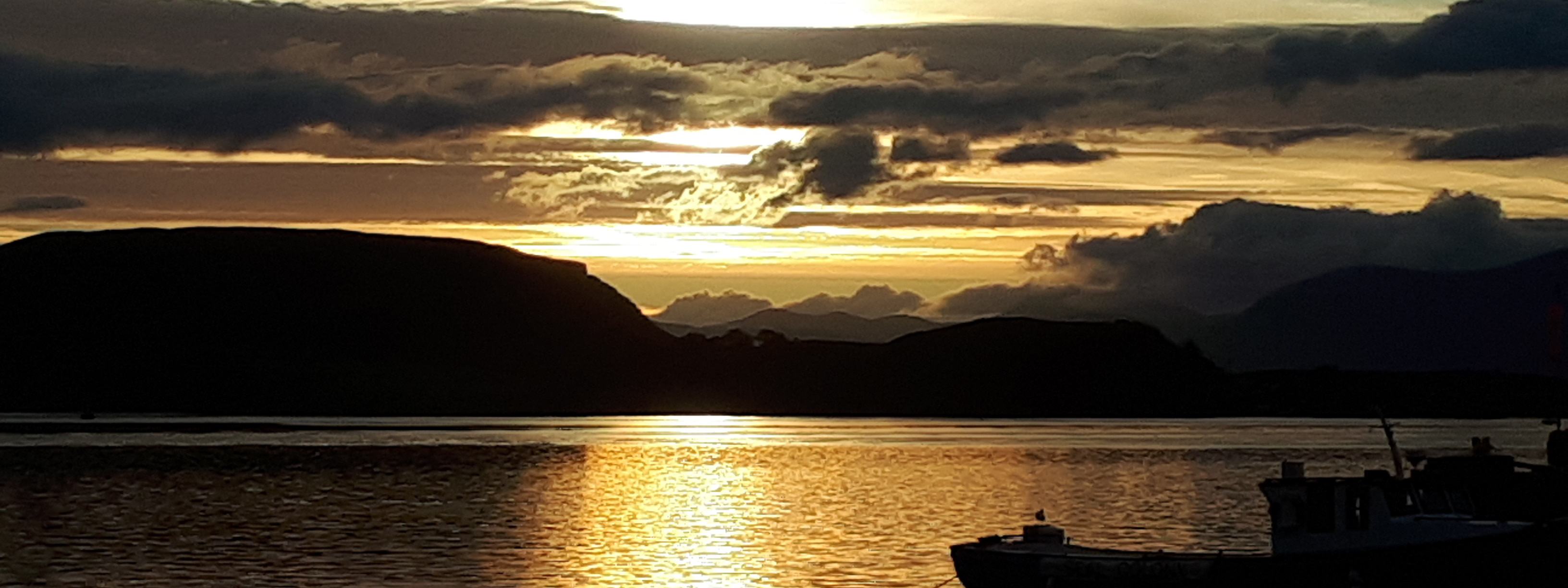 A picture of Oban during sunset